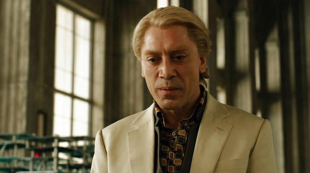 Espanjalaisen luennenäyttelijä Javier Bardemin näyttelemä elokuvan pahis Raoul Silva on oikea pahasti häiriintyneen kulukiusaajan näköiskuva.  Kuva Matthew Harkin